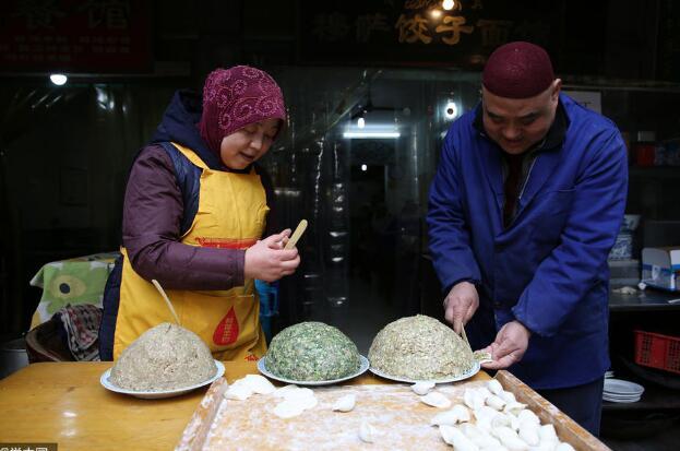 西安夫妻做饺子30多年 就想做好一件简单事