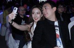 王思聪晒王可可照片, 旁边一物乱入, 让不少网友看了红脸