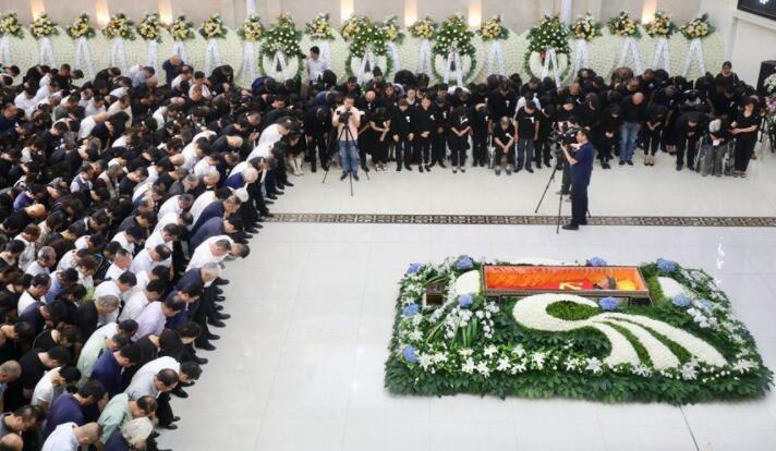刘文西同志遗体告别仪式在西安举行